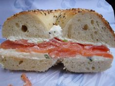 bagel salmon cream cheese