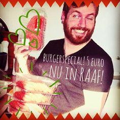 Zin in een lekkere Tropical Burger of een lekkere vegetarische Koezkoez Burger? Alleen verkrijgbaar bij RAAF!