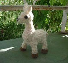 Free Llama Pattern from LOOPYYARN