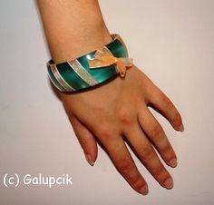 Brăţară verde (12 LEI la galupcik.breslo.ro) Cuff Bracelets, Jewelry, Fashion, Green, Moda, Jewlery, Jewerly, Fashion Styles, Schmuck