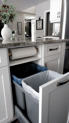 ✔ 67 clever small kitchen remodel open shelves ideas 22 - Jeder von uns hat un. ✔ 67 clever small kitchen remodel open shelves ideas 22 - Each of us has un . Kitchen Ikea, Home Decor Kitchen, Home Kitchens, Open Kitchen, 10x10 Kitchen, Cheap Kitchen, Kitchen Hacks, Kitchen Furniture, Country Kitchen