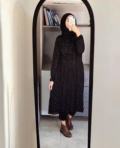 French Fashion Tips eyysma.French Fashion Tips eyysma Modest Fashion Hijab, Modern Hijab Fashion, Street Hijab Fashion, Casual Hijab Outfit, Hijab Fashion Inspiration, Muslim Fashion, Hijab Chic, Abaya Fashion, Mode Inspiration