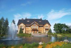 Хотя резиденция «Межигорье» (или «музей коррупции») расположена не в самом Киеве, а в Вышгородском районе, все же ее стоит посетить. Во-первых, вы сможете увидеть роскошный домик «Хонка», плавучий ресторан-дебаркадер «Галеон» и поле для гольфа. Во-вторых, это прекрасный шанс прогуляться по набережной и полюбоваться живописной природой. К тому же, на территории Межигорье действует зоопарк, в котором обитают дикие кабаны, европейские бараны муфлоны, олени, лани, страусы и другие животные. Mansions, House Styles, Home Decor, Decoration Home, Manor Houses, Room Decor, Villas, Mansion, Home Interior Design