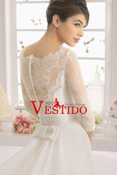 2015 vestido de boda Bateau Una blusa de encaje con la línea hecha a mano de la flor y con volados de organza