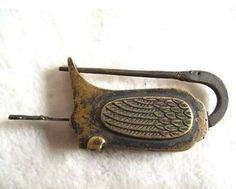 Chinese-old-style-Brass-Carved-swan-padlock-lock-key