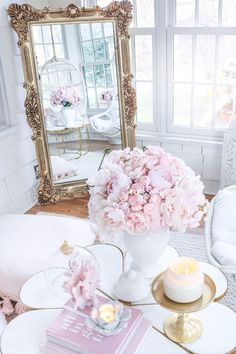 Great selection of realistic silk peonies, just right for your romantic wedding bouquets and centerpieces. Silk flower peonies are the hassle free choice. Glam Living Room, Living Room Decor, Bedroom Decor, Pastel Living Room, Peony Flower Arrangements, Deco Rose, Pink Room, Dream Decor, Pink Peonies