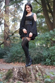 I love Steampunk, gothic and cosplay, I admire and respect beauty, I love pretty clothes and. Steam Punk, Steam Girl, Hot Goth Girls, Gothic Girls, Goth Beauty, Dark Beauty, Gothic Outfits, Gothic Dress, Dark Fashion
