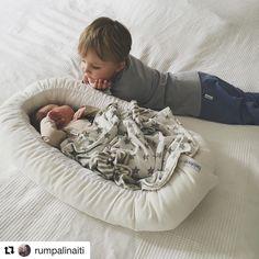 Voi näitä sisaruksia! . #Repost @rumpalinaiti (@get_repost)  Nämä kaks tekee mut nii ylpeeks ja onnelliseks joka päivä  #rumpalijasenveli #brothersforlife #mybabies #happiness  #momoftwo #love #gugguukidsfashion #bebiboofinland #ministylefinland http://ift.tt/2wL2qH9