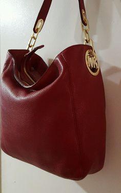c1313b058bf48 Michael Kors MK Fulton Red pebbled Leather Shoulder Hobo Handbag  89.99.  Eliane Moser · Taschen