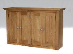 302 - Wide and roomy wall cupboard.