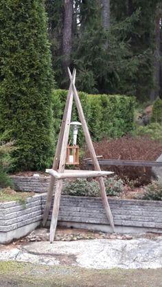 Heinäseiväs lyhtyteline Garden Workshops, Reuse, Living Room Designs, Ladder Decor, Diy And Crafts, Pergola, Projects To Try, Cottage, Landscape
