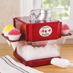 Waring Pro Snow Cone Maker, SCM 100  Make 8 snow cones in 1 minute with this retro-style countertop snow cone maker.