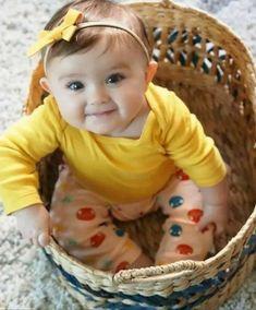 Cute Baby Boy Photos, Cute Little Baby Girl, Cute Kids Pics, Cute Baby Videos, Baby Kind, Erwarten Baby, Cute Baby Girl Wallpaper, Cute Babies Photography, Cute Funny Babies