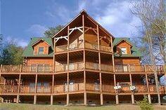 BIG BEAR LODGE - Gatlinburg Sleeps 54, right next to Bear Den Lodge that sleeps 20 more