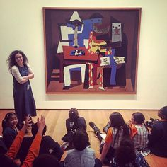 Flash back to a candid capture of an art teacher captivating her students in New York City . When you travel do you visit art museums? Which one is your fav? Nyc Art, Picasso, Museums, Art Museum, Candid, New York City, Traveling By Yourself, Students, Artsy