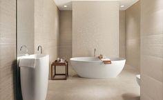 Minimalist and modern bathroom - Shower Remodeling Beige Bathroom, Bathroom Inspo, Bathroom Inspiration, Modern Bathroom, Small Bathroom, Master Bathroom, Minimalist Bathroom Design, Bathroom Tile Designs, Bathroom Interior Design