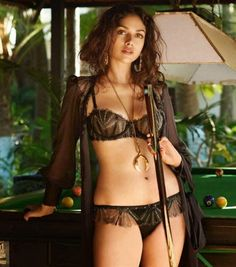 aditi-rao-hydari-on-gq-magazine-may-2015_1.jpg (600×679)