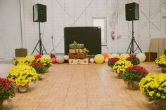 Simple wedding ceremony decor with vintage suitcases