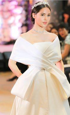 Prom Dresses Blue, Cute Dresses, Casual Dresses, Wedding Dresses, Young Fashion, Asian Fashion, Beauty Portrait, Beauty Shots, Beautiful Girl Image