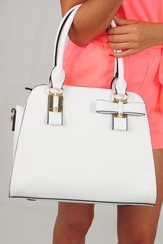 Love Somebody Purse: White --> use SUNSHINESTILETTOS for 10% off plus free shipping!