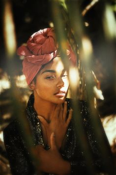 brooklynhawaii, beautiful portrait and summer light L'art Du Portrait, Portrait Photography, Makeup Photography, Black Girl Magic, Black Girls, Pretty People, Beautiful People, Afro, Shotting Photo