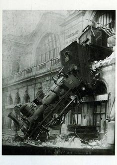 Old Funny and Weird Photos - Sharenator U Bahn, Belle France, Weird Pictures, Vintage Pictures, Weird Old Photos, Old Pictures, Time Pictures, Train Pictures, Daily Pictures