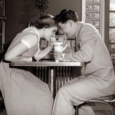 1950's teen couple hare a shake CL5j8fMWsAAWcnl.jpg (600×600)