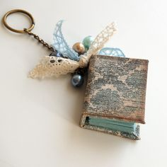 Give a piece of happiness ...: MC - mini-book from the Juliana-Quest