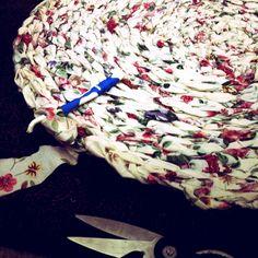 Toothbrush rag rug DIY