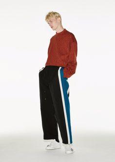 Sport Fashion, Boy Fashion, Mens Fashion, Fashion Outfits, Boy Models, Cute Poses, Aesthetic Fashion, Nice Dresses, Men Casual