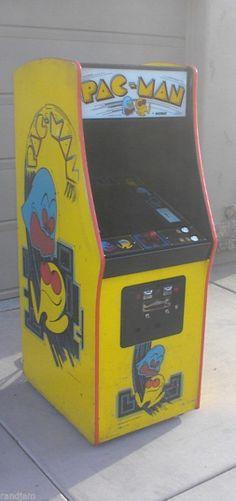 Pac Man Arcade Machine (Midway, 1980)