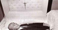 Bing Crosby Dead in Casket Indira Ghandi, Post Mortem Pictures, Post Mortem Photography, Famous Graves, Celebrity Deaths, Star Wars, Momento Mori, Star Pictures, Casket