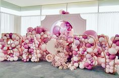 What's a gorgeous Baby Shower setup👏🏻👏🏻 Baby Girl Shower Themes, Baby Shower Decorations For Boys, Baby Shower Gender Reveal, Baby Shower Parties, Balloon Garland, Balloon Decorations, Birthday Decorations, Cabbage Patch Kids, Elegant Baby Shower