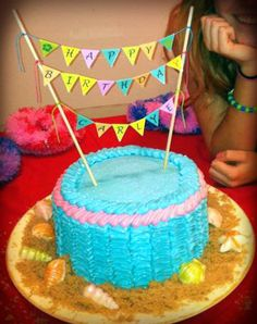 Ruffle cake with banner