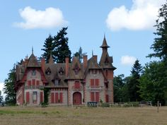 Chateau, Issy l Eveque