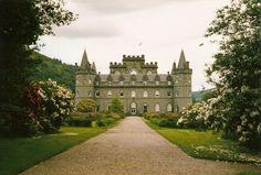 Resultados de la Búsqueda de imágenes de Google de http://www.avich-lodge.co.uk/photos/Inveraray-Castle.jpg