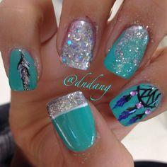 Turquoise & glitter mixup nail art design
