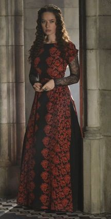 Reign: Lola, Queen Mary's Lady in Waiting. played by anna popplewell Medieval Dress, Medieval Clothing, Lola Reign, Vintage Dresses, Nice Dresses, Marie Stuart, Anna Popplewell, Reign Dresses, Reign Fashion