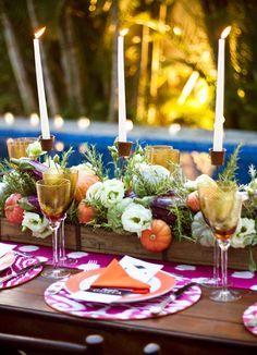 Festa italiana - mesa comunitária - decoração colorida - arranjos de flores e legumes - castiçais ( Produção e buffet: Maria Antonia Bocayuva )