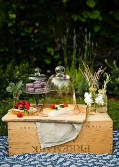 Bring picnic gear in a wooden crate, then turn it upside down to use it as a table!