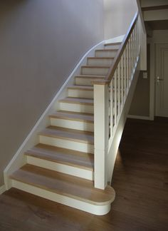 Image result for barierki i słupki drewniane schodowe Landing, Stairs, Mansions, Home Decor, Interior Stairs, Houses, Stairway, Decoration Home, Manor Houses