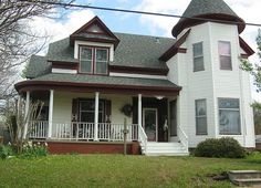 """Historic Home In Pittsburg, Texas <3 The """"H"""" Shutters!...OMG...this is identical to the house I lived in in high school... could even be the same one."""