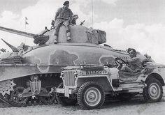イギリスに供与されたM4A1は、そのスペックよりも鋳鋼一体型ボディがショックを与えた。イギリスではとても造れない。「こりゃすごい」と思われたのは丸みを帯びた車体上部だった。シャーマンに気持ちで負けている雰囲気。