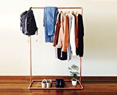 Kupfer Kleiderstange / 100cm lang / Industriell design / Kleiderständer / Kleidung Schiene von INDUSTRIdesign auf Etsy https://www.etsy.com/de/listing/247011129/kupfer-kleiderstange-100cm-lang