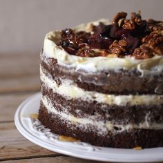 Laskominy od Maryny: Makový dort s pečenými švestkami a karamelizovanými ořechy