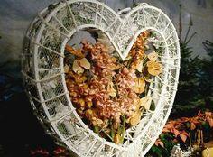 at: marieblue: Vorsatzbastelstube Woman Leserin Decorative Plates, Woman, Blog, Home Decor, Decoration Home, Room Decor, Women, Blogging, Home Interior Design