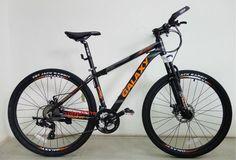 Sợi carbon trong quá trình sản xuất xe đạp thể thao chính hãng