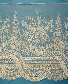 Amazing antique Brussels applique lace crinoline flounce - 7 yards 28 ins in… Needle Lace, Bobbin Lace, Lace Ribbon, Lace Fabric, Ropa Interior Vintage, Types Of Lace, Antique Lace, Vintage Lace, Vintage Pink
