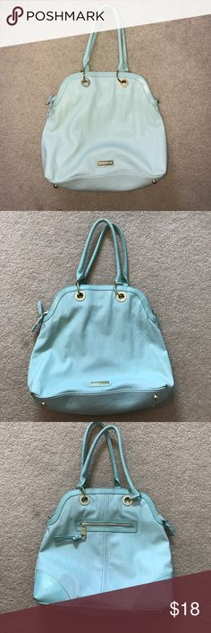 STEVE MADDEN LARGE BAG/PURSE Steve Madden purse. Well loved. Slight discoloration and transfer from clothing (shown above). Other than that still in good condition. Also comes with long over the shoulder strap. Steve Madden Bags Shoulder Bags