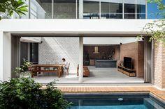 Two Houses at Nichada,© Ketsiree Wongwan
